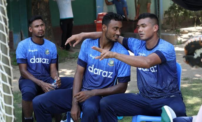তাসকিন-মোস্তাফিজ-শরীফুল: বাংলার ক্রিকেটের নতুন পেসত্রয়ী?