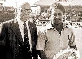 তাঁরা দুজন: ডন ব্র্যাডম্যানের সঙ্গে সুনীল গাভাস্কার