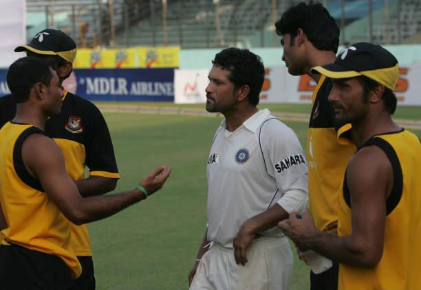 ভারতের মাটিতে বাংলাদেশ টেস্ট পেয়েছে অভিষেকের ১৭ বছর পরে। ছবিটি অবশ্য ২০০৭ সিরিজের সময়কার। ছবি: এএফপি