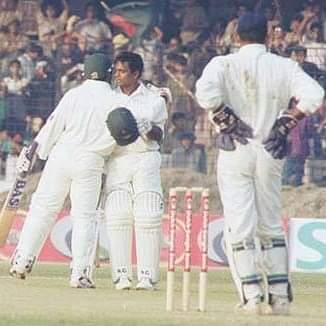 অভিষেক টেস্টে সেঞ্চুরির পর অধিনায়ক নাঈমুর রহমান দুর্জয়ের আলিঙ্গনে